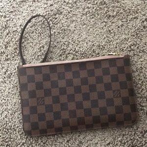 Damier Louis Vuitton inside pouch!!